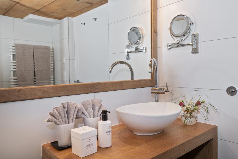 Appenzelleragenda - Boutique Hotel Bären Gonten, Doppelzimmer originell, Bad